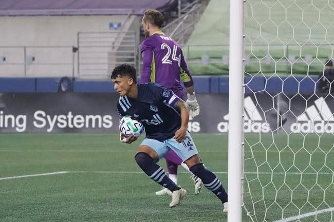 Seattle scores all its goals in 2nd half, tops Vancouver 3-1
