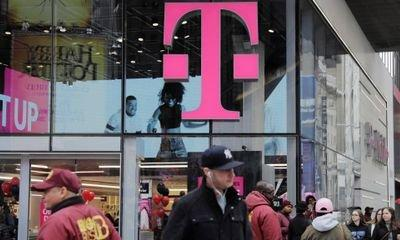 T-Mobile agrees $26bn deal to buy rival Sprint