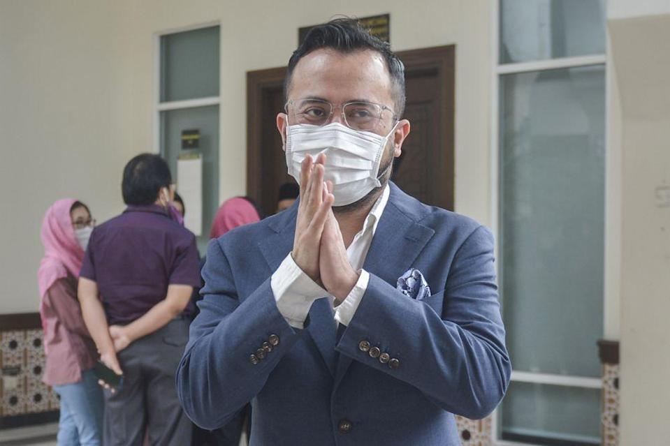 Ezra Zaid is pictured at the Petaling Shariah Subordinate Court in Shah Alam December 17, 2020. — Picture by Miera Zulyana