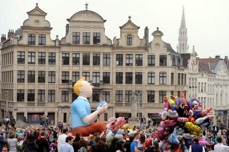 FILE PHOTO: A Tintin balloon float is seen in Albertine Square during Balloon's Day Parade in Brussels September 6, 2014.       REUTERS/Eric Vidal/File Photo