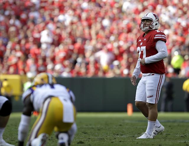"Wisconsin's <a class=""link rapid-noclick-resp"" href=""/ncaaf/players/243295/"" data-ylk=""slk:Rafael Gaglianone"">Rafael Gaglianone</a> hit three field goals to help the Badgers beat LSU. (AP Photo/Aaron Gash)"