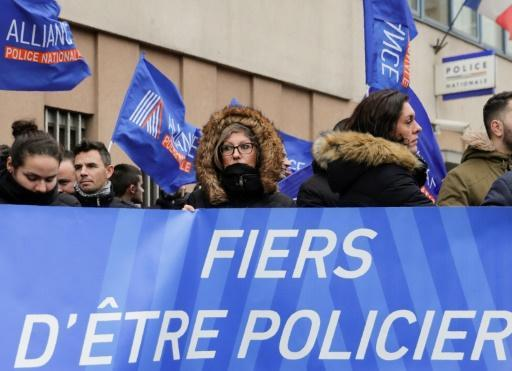 <p>France vows crackdown after New Year attack on police</p>