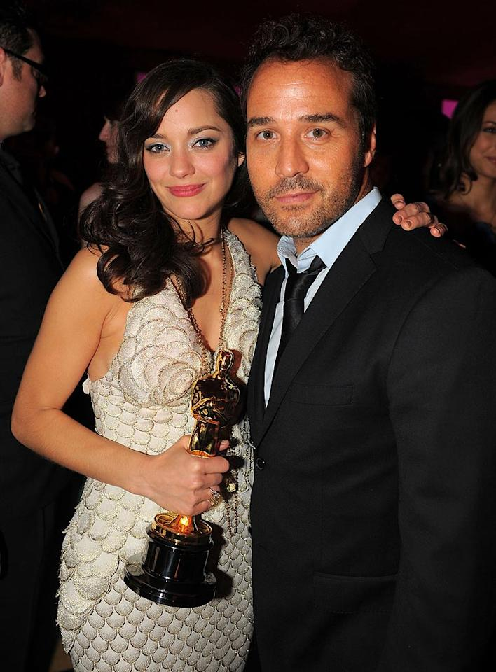 "<a href=""http://movies.yahoo.com/movie/contributor/1800277301"">Marion Cotillard</a> and <a href=""http://movies.yahoo.com/movie/contributor/1800022783"">Jeremy Piven</a> attend the 16th Annual Elton John AIDS Foundation Oscar Party at the Pacific Design Center in West Hollywood - 02/24/2008"