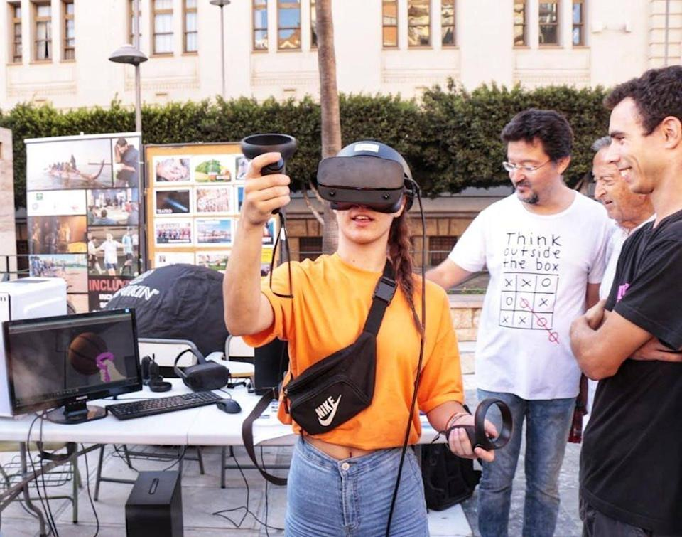 """<span class=""""caption"""">Demo del software de realidad virtual 'Inclúyete VR'. / Adolfo Cangas.</span> <span class=""""attribution""""><a class=""""link rapid-noclick-resp"""" href=""""https://www.facebook.com/permalink.php?story_fbid=2414478392122733&id=1734728976764348"""" rel=""""nofollow noopener"""" target=""""_blank"""" data-ylk=""""slk:Adolfo Cangas"""">Adolfo Cangas</a>, <span class=""""license"""">Author provided</span></span>"""