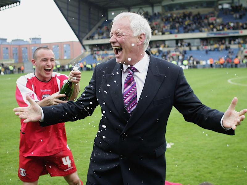 Barry Hearn resigns as Leyton Orient's honorary life president because of Francesco Becchetti non-payments