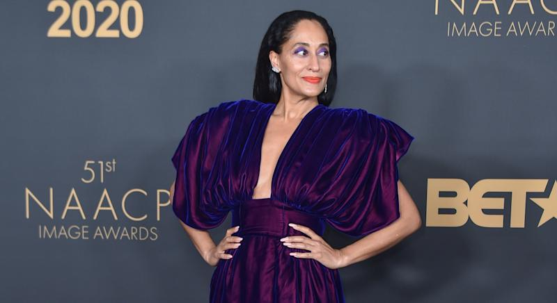 Tracee Ellis Ross has given styled up her bedding for the viral #QuarantinePillowChallenge (Getty Images)