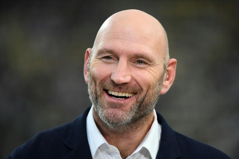 Lawrence Dallaglio told AFP that every British citizen should do something to shift the massive imbalance in society