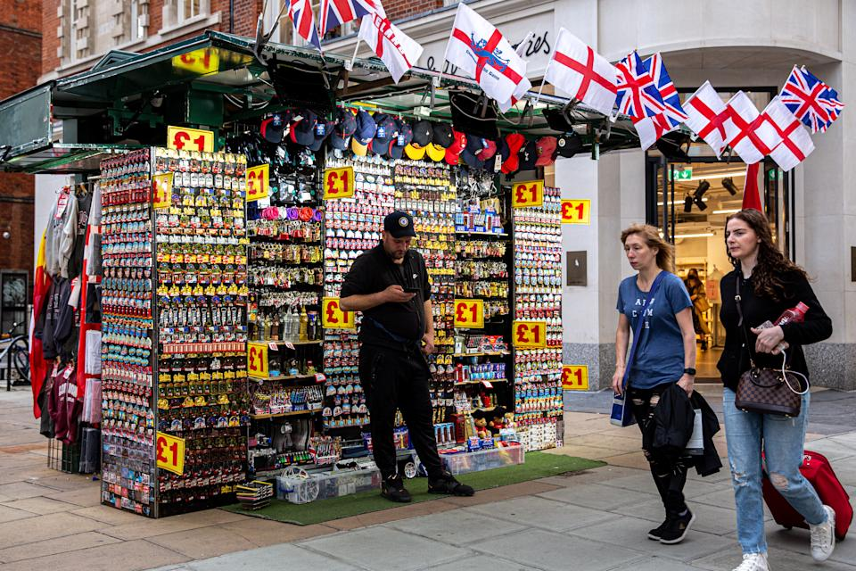 London, United Kingdom, June 28, 2021: People are seen shopping at landmark Oxford Street as the Coronavirus lockdown has not been fully lifted and number of Covid cases soars again. PM Boris Johnson says full ease of restrictions next month very likely. (Photo by Dominika Zarzycka/Sipa USA)