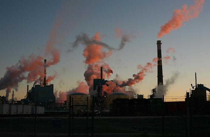 Morning breaks over anindustrial plant in South Carolina. (Photo: Andrew Lichtenstein via Getty Images)