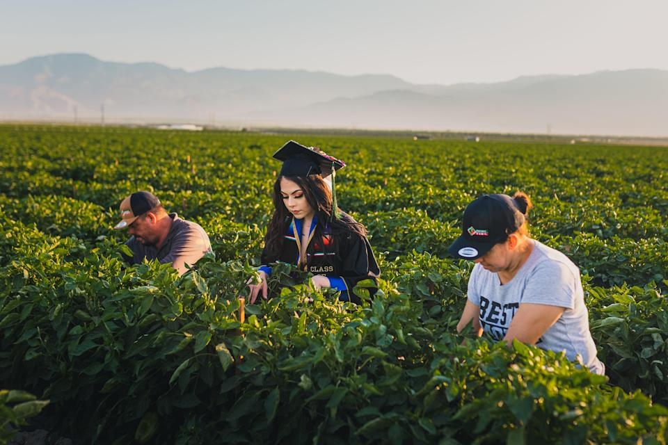 Jennifer Rocha's photo shoot has gone viral for highlighting the work of her and her parents.