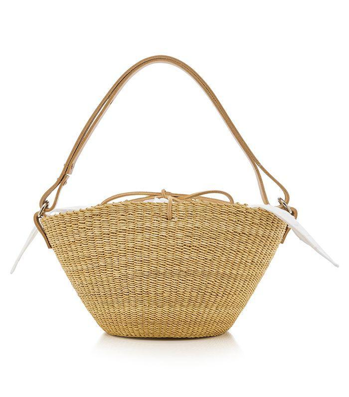 A wide-brim bag creates easy access to your belongings.