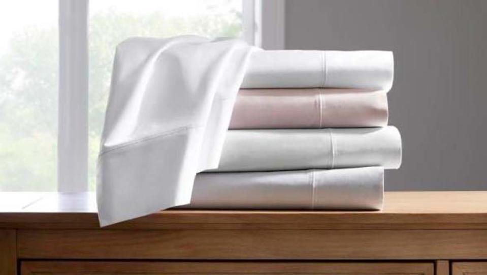 Best gifts for wives: Home Decorators Collection Cotton Supima Queen Sheet Set