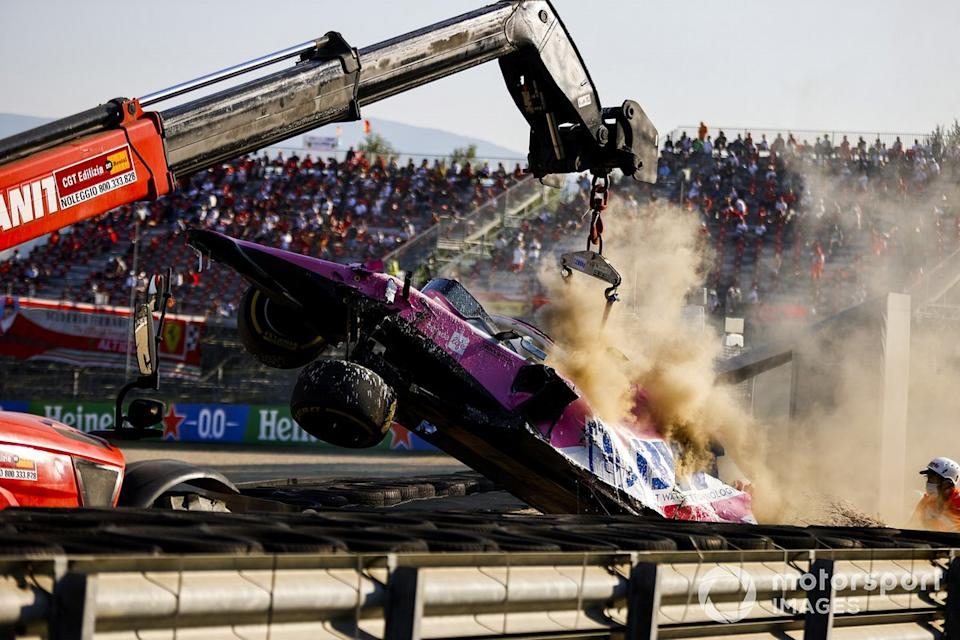 "El monoplaza de Lance Stroll, Racing Point RP20 después del accidente<span class=""copyright"">Andy Hone / Motorsport Images</span>"