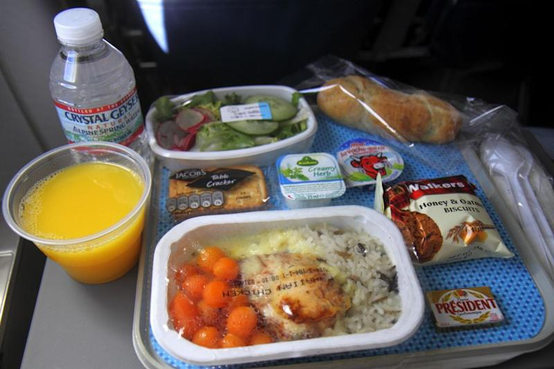 A chef has revealed what you should eat on an airplane. Photo: Getty Images