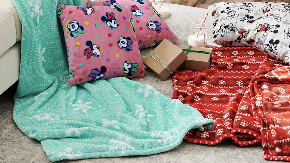 Best gifts under $30: The Big One oversized plush throw