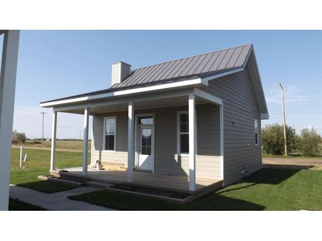 <p>No. 27: <span>4906 51 St.</span><br> Chipman, Alta.<br> $119,900<br> 495 square feet<br> (Century 21) </p>