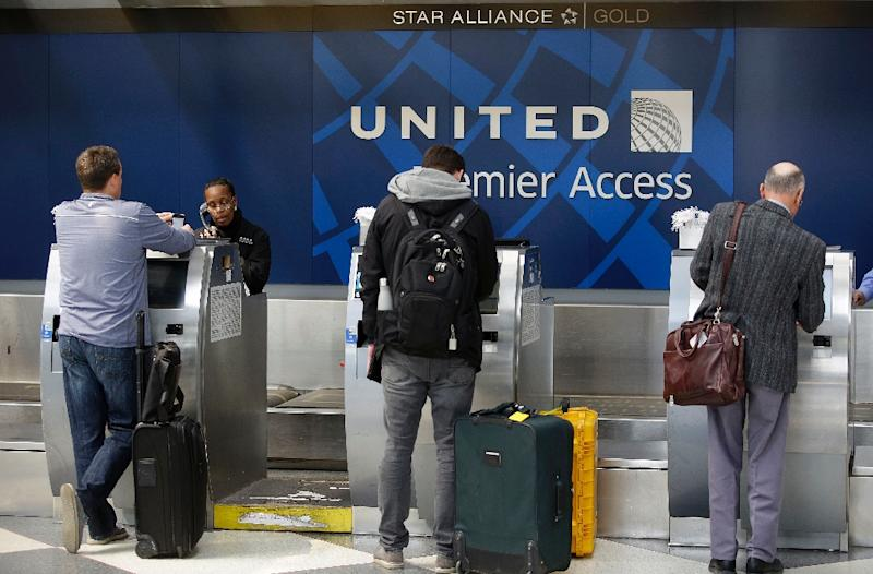 United airlines saw a sharp drop in profit in the first quarter, but vowed to remake its customer service after it roughly expelled a customer from a Chicago flight