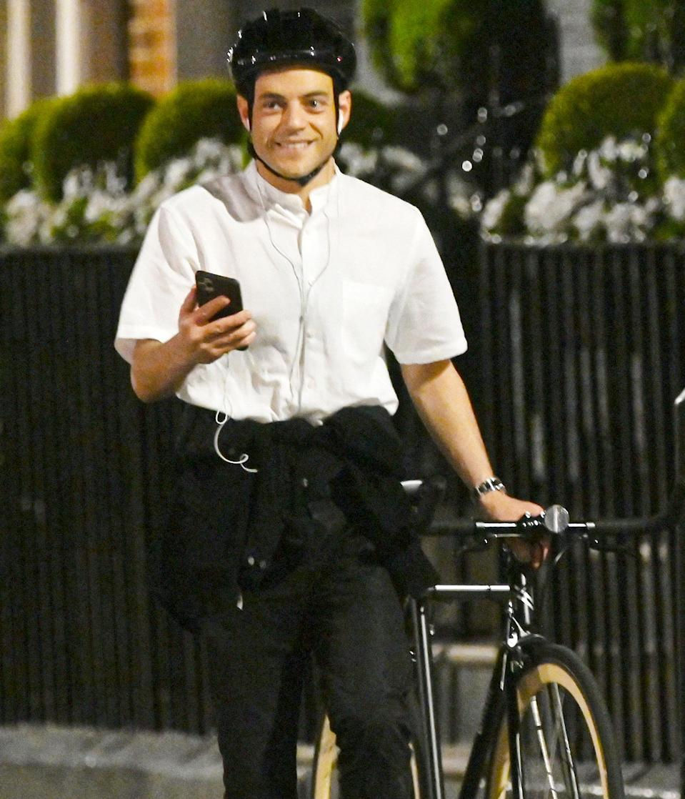 <p>Rami Malek was spotted taking an evening bike ride in London.</p>