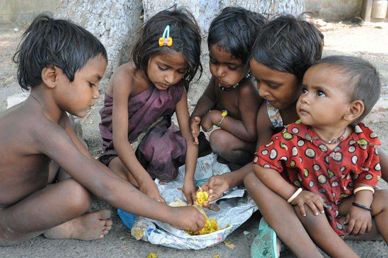 poverty in india hindi Poverty is a social stigma that needs to be eradicated an outlook of the poverty in india and corrective action taken by the government.