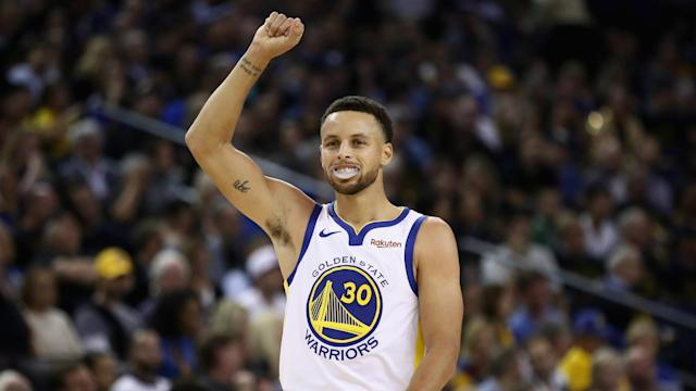 Although Golden State Warriors have been missing Kevin Durant, Stephen Curry scored a game-high 33 points to see off Oklahoma City Thunder.