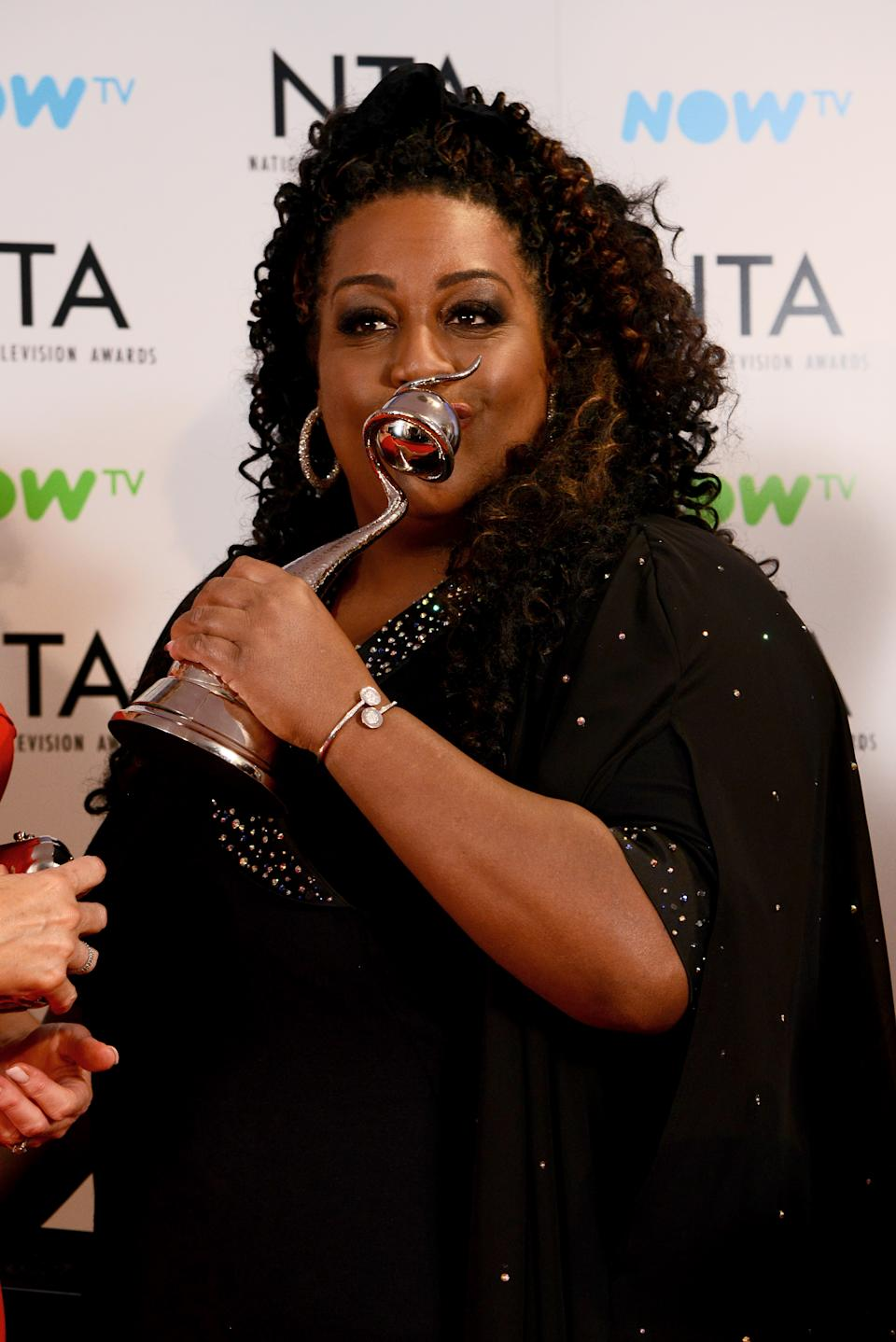 LONDON, ENGLAND - JANUARY 23:  Alison Hammond from This Morning with the award for Daytime programme at the National Television Awards 2018 at The O2 Arena on January 23, 2018 in London, England.  (Photo by Dave J Hogan/Dave J Hogan/Getty Images)