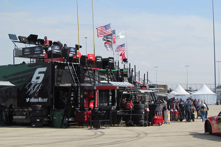 nascar a behind the scenes look at chicagoland