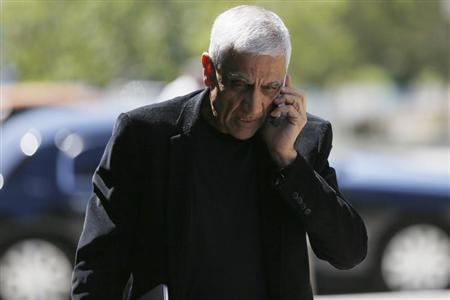 Venture capitalist Vinod Khosla arrives at San Mateo County Superior Court in Redwood City