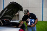 Veterans help to gather supplies for Afghan refugees