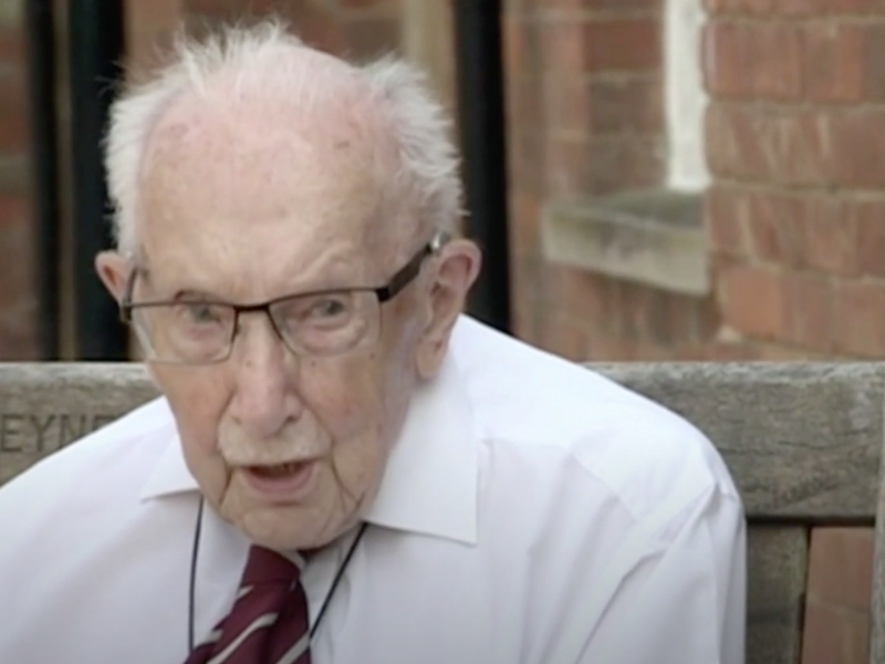 Sir Tom Moore in conversation with fellow Second World War veteran Peter Heppell: BBC