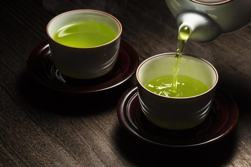 Green Tea is a rich source of antioxidants and is loaded with several healthy components which help in regulating blood sugar levels