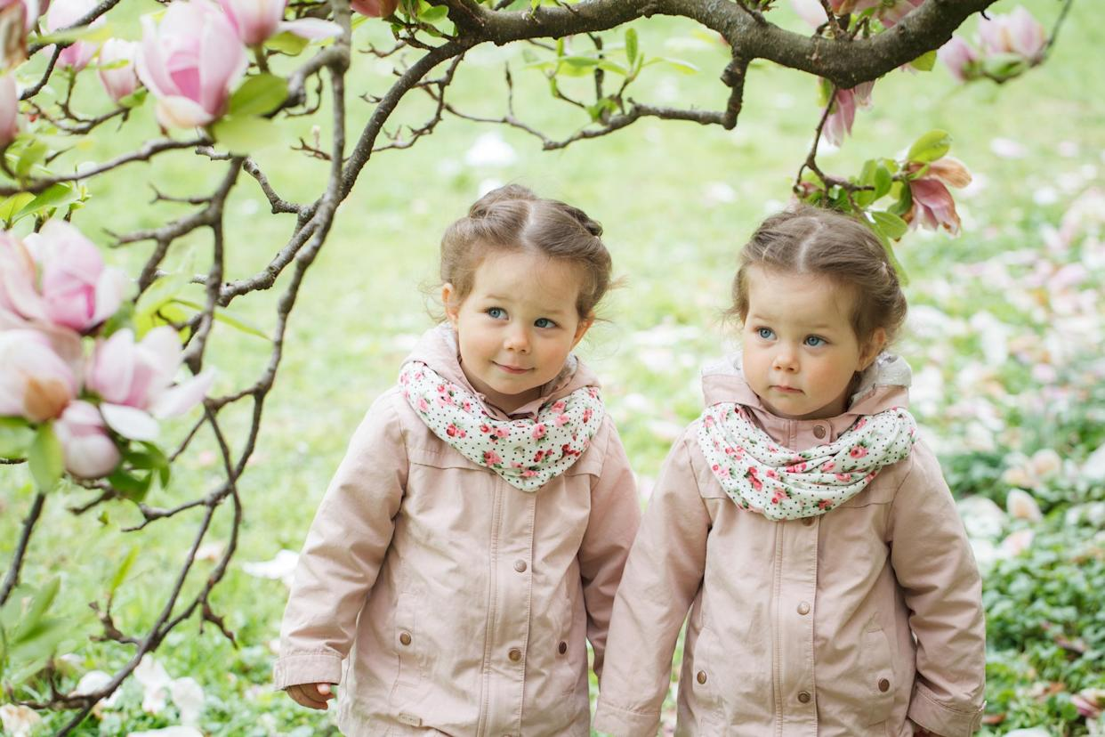 A dad blogger has sparked a debate after admitting he can't tell his twin daughters apart [Photo posed by models, Getty]