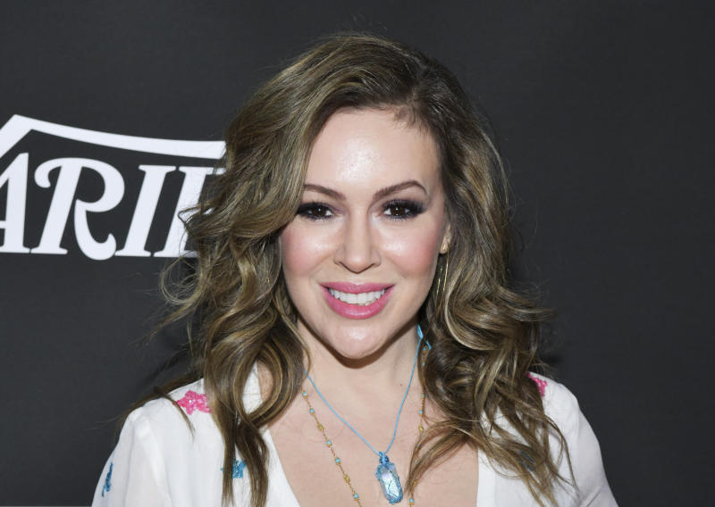"Alyssa Milano schooled naysayers on why a crochet mask can be ""totally safe."" (Photo: Rodin Eckenroth/WireImage)"