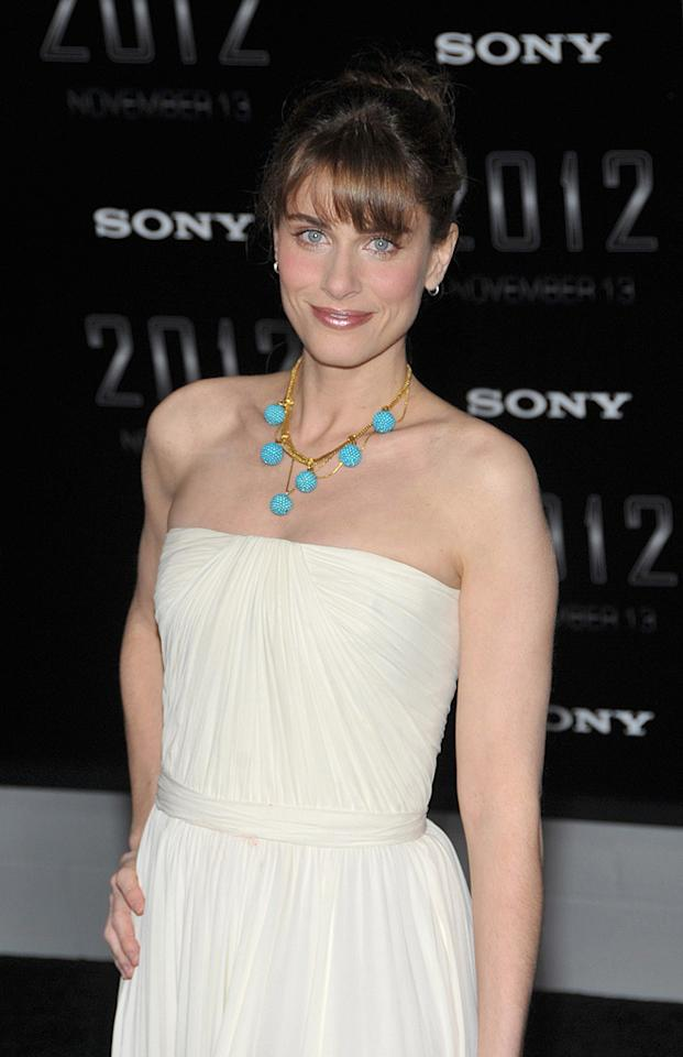 """<a href=""""http://movies.yahoo.com/movie/contributor/1800018738"""">Amanda Peet</a> at the Los Angeles premiere of <a href=""""http://movies.yahoo.com/movie/1810045661/info"""">2012</a> - 11/03/2009"""
