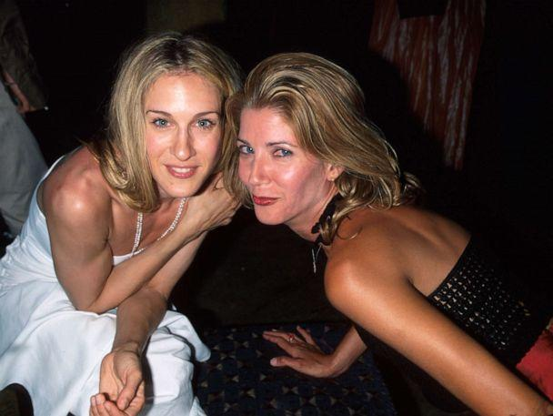 PHOTO: Actress Sarah Jessica Parker and writer Candace Bushnell in this June 5, 1999 file photo. (Dave Allocca/The LIFE Picture Collection/Getty Images)