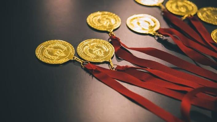 Enjoy some well-deserved medals at the end of your games.