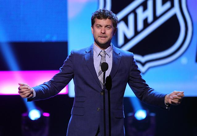 LAS VEGAS, NV - JUNE 20: Actor Joshua Jackson presents an award during the 2012 NHL Awards at the Encore Theater at the Wynn Las Vegas on June 20, 2012 in Las Vegas, Nevada. (Photo by Isaac Brekken/Getty Images)