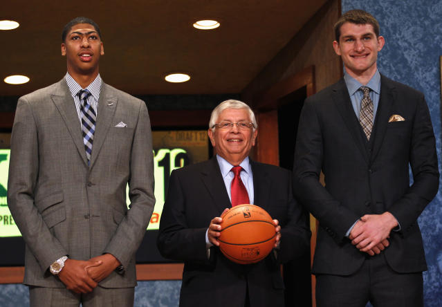 Kentucky's Anthony Davis and North Carolina's Tyler Zeller stand with NBA commissioner David Stern (C) before the 2012 NBA draft. (Reuters)