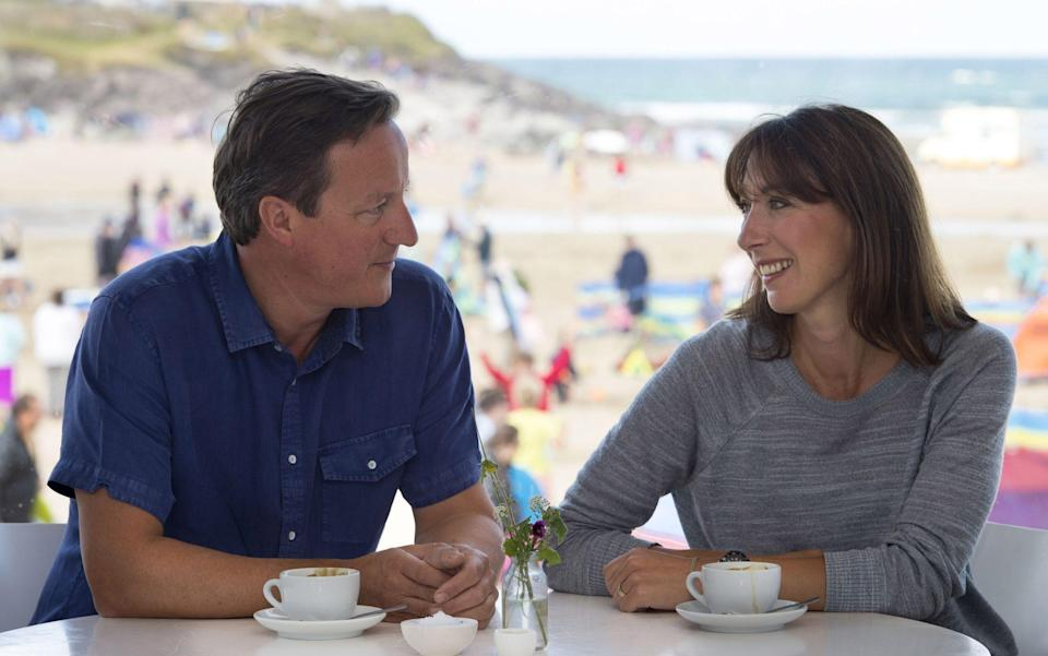 Save-cationers: David and Samantha Cameron on Polzeath Beach in Cornwall - Matthew Horwood,/Getty Images