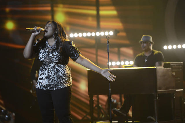 "Candice Glover performs ""One"" on the Wednesday, May 8 episode of ""American Idol."""