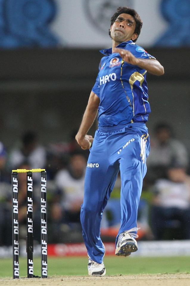 VISAKHAPATNAM, INDIA - APRIL 9: Mumbai Indian bowler Munaf Patel bowls during IPL-5 cricket match between Mumbai Indians and Deccan Chargers at YSR Stadium on April 9, 2012 in Vishakhapatnam, India. (Photo by Subhendu Ghosh/Hindustan Times via Getty Images)