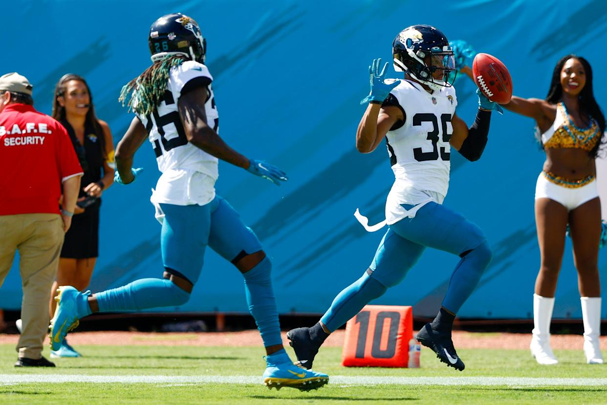 Sep 26, 2021; Jacksonville, Florida, USA;  Jacksonville Jaguars wide receiver Jamal Agnew (39) runs back missed field goal back for a 109 yard touchdown against the  Arizona Cardinals at TIAA Bank Field. Mandatory Credit: Nathan Ray Seebeck-USA TODAY Sports