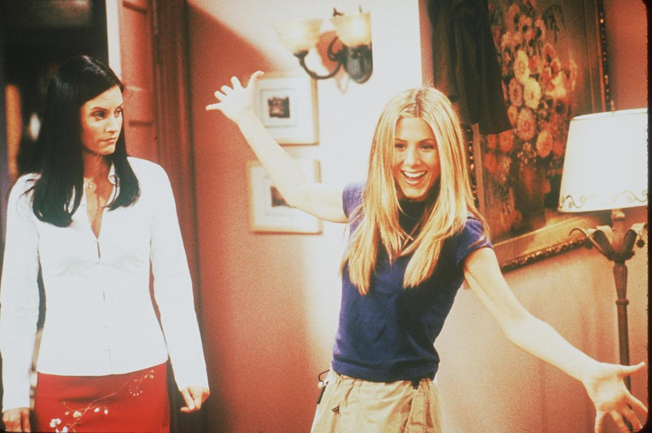 Courteney Cox and Jennifer Aniston in Friends year VI, 1999. Photo courtesy of Getty Images and NBC.