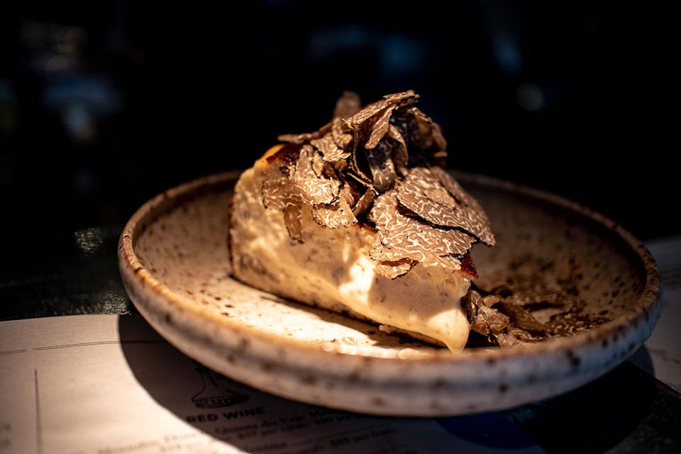Burnt Cheesecake with truffles (PHOTO: Zat Astha/Yahoo Lifestyle SEA)