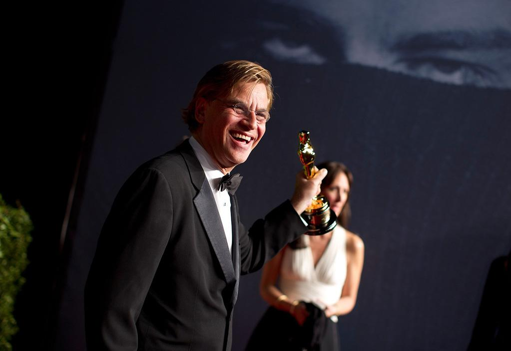 """The Social Network's"" Aaron Sorkin wouldn't let go of his Best Adapted Screenplay Oscar ... and we don't blame him!"