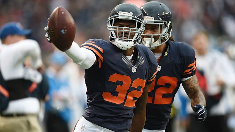 Bears' Deiondre' Hall tasered after allegedly spitting at officer during arrest