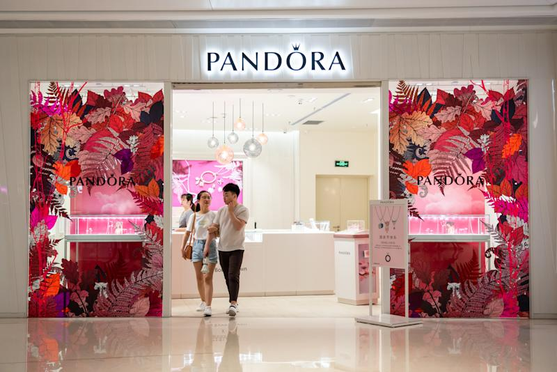 Tienda de Pandora en China. (Foto: Alex Tai/SOPA Images/LightRocket via Getty Images)