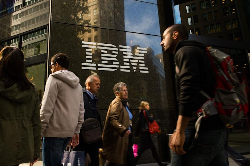 IBM Earnings Fall in Prolonged Sales Slump