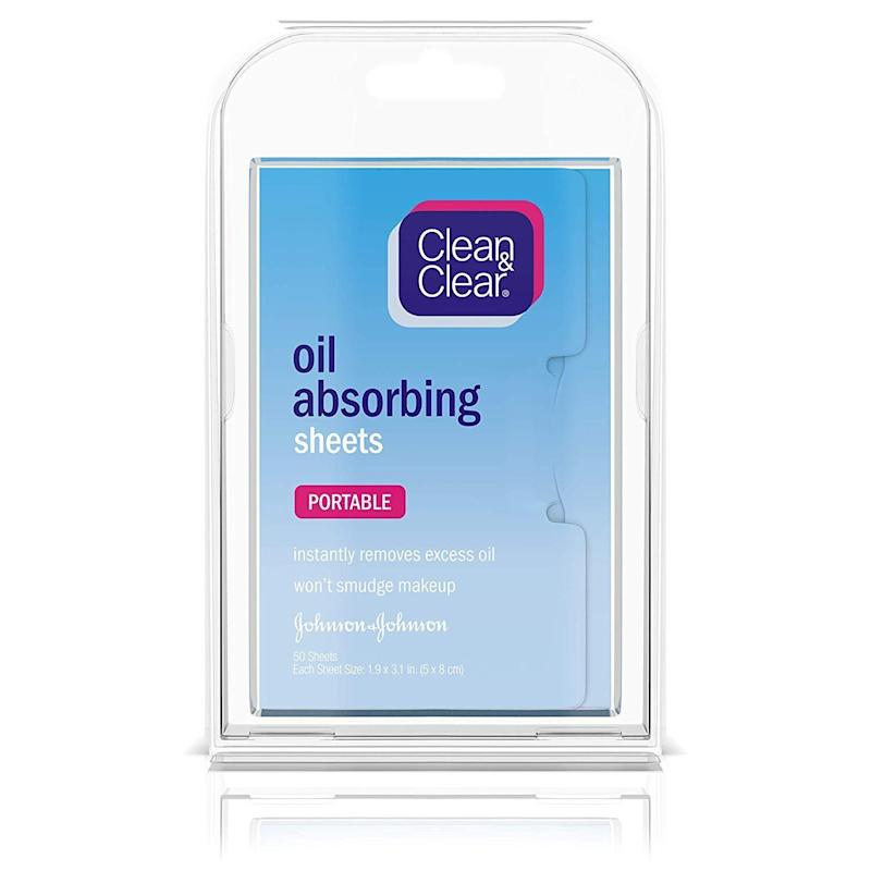 Clean & Clear oil absorbing sheets. (Photo: Amazon)