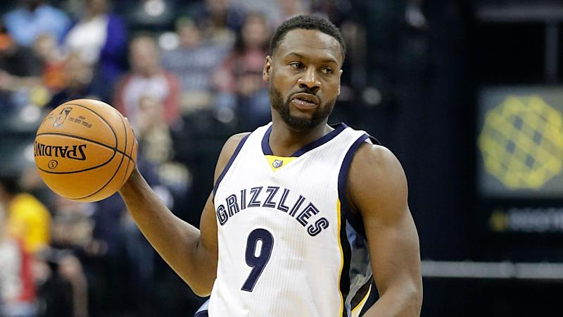 Grizzlies' Tony Allen out indefinitely with strained calf