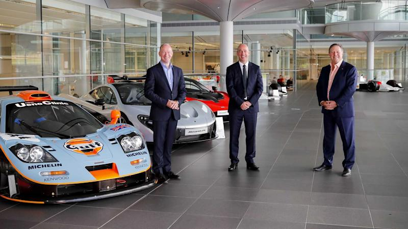 Gulf Oil livery cars with McLaren executives
